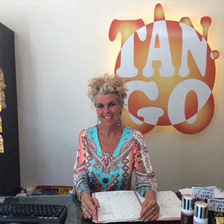 Monique de Haas, eigenaresse Tan-go zonnestudio Amsterdam Zuid   zonnestudio Amsterdam de Pijp